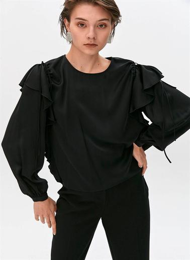 Rue Volan Ve Büzgü Detaylı Bluz Siyah